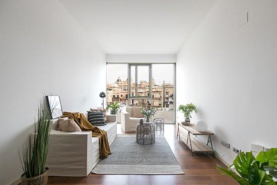 Cubiqz kartonnen bank en stoel met stoffen hoes in off-white door A Home BCN