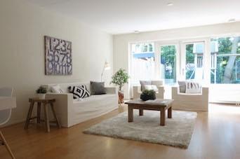 succesverhaal Mijke vastgoedstyling na met CUBIQZ kartonnen meubelen